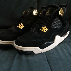 af6c63372ca439 Jordan Shoes - Black and gold Jordan retro 4 s kids 6.5 women s 8